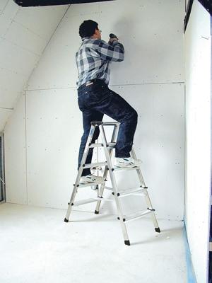 Лестница стремянка купить на выгодных условиях в Сыктывкаре