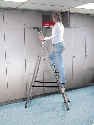 Лестница стремянка Safety 6 ступеней купить на выгодных условиях в Сыктывкаре
